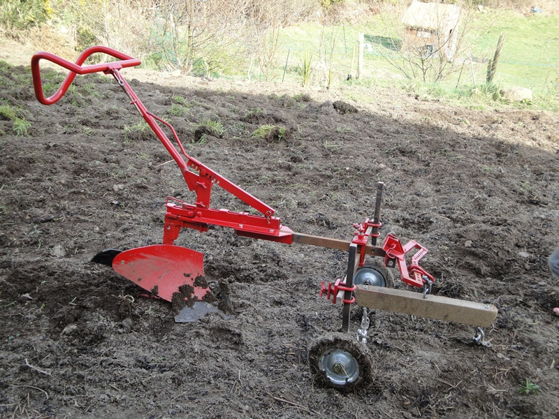 Agricultural Machinery Design : Equipment for working with horses on a small holding